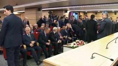 Başbakan Yıldırım: 'Bunun anlamı, terör örgütünün arkasından nişan alarak Türkiye'ye düşmanlık etmektir. Amerika bunu görmeli ve bu yanlıştan vazgeçmeli'