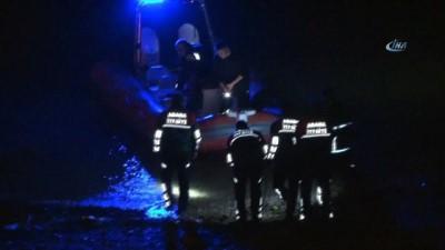 Genç kadın önce seyir halindeki taksiden sonra köprüden nehre atlayarak intihara kalkıştı