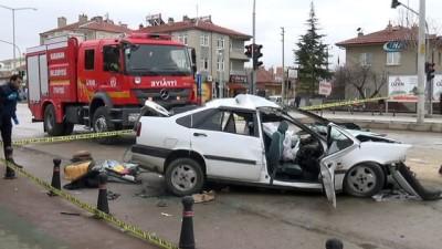 - Karaman'da otomobil ile kamyonet çarpıştı: 1 ölü, 6 yaralı