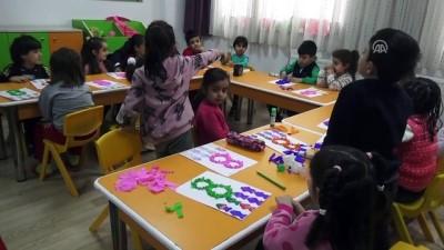 Şehitlerin fotoğrafları FETÖ'nün eski okullarında sergileniyor - BATMAN