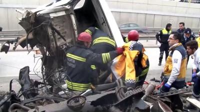Üşüyen yaralının üzerine 112 çalışanı montunu örttü - KONYA