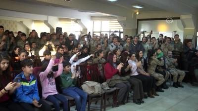 Mardin'de askere moral konseri