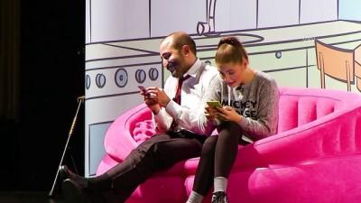 'Temel' ile 'Fadime' tiyatro sahnesinde - İSTANBUL