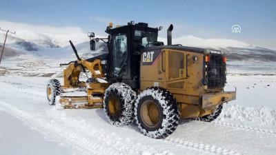 Türkiye'nin en yüksek rakımlı gölünde karla mücadele - AĞRI Haberi