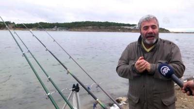 'Balık Dedektifi' oltasıyla ülkeyi dolaşıyor - BİLECİK