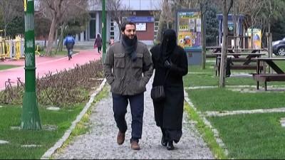 Eşinin peçesinin kabinde açılmasını isteyince polis tarafından darp edildi