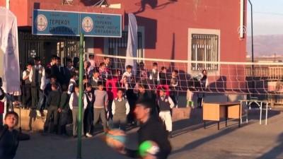Mobil Gençlik Merkezi İdil'de çocukların yüzünü güldürdü - ŞIRNAK