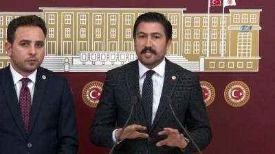 TBMM Katip üyesi İshak Gazel:' CHP İl Başkanı'nın öncelikle özür beyanı olmuş. Bu olayın bir özürle geçiştirilebileceğini düşünmüyorum. Derhal bu görevinden istifa etmelidir'