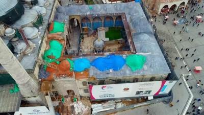 Restorasyonu devam eden Yeni Camii havadan görüntülendi