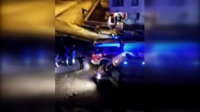 Başkent'te iş makinesi devrildi: 3 yaralı Video