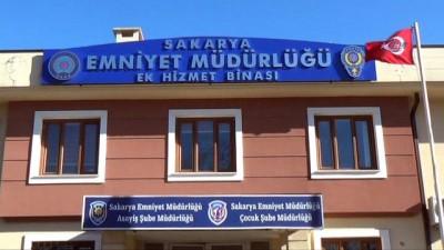 İstanbul'da çaldıkları lüks otomobil ile Sakarya'da yakalandılar