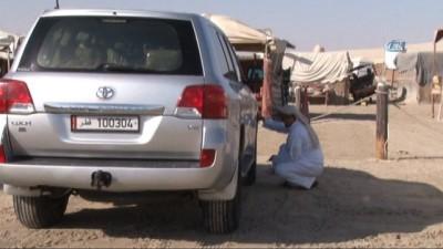 strateji -  Katar Çöllerinde Safari Heyecanı - Dört Mevsim Güneşin Tadını Çıkartmak İsteyen Tatilciler, Katar Çöllerinde Lüks Arazi Araçları İle Çöl Safarisinin Heyecanını Yaşıyor