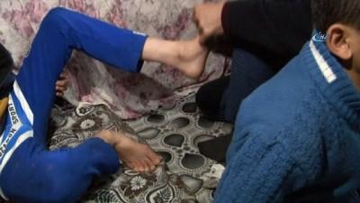 Kocasının maaş kartını alıp engelli çocuklarını bırakıp kaçtı
