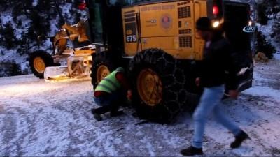 Mut'ta karla mücadele aralıksız devam ediyor