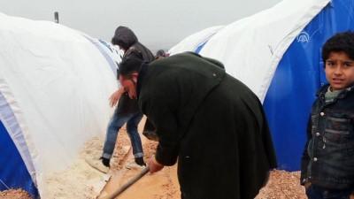 Suriye'deki çadır kentler çamur içinde - İDLİB