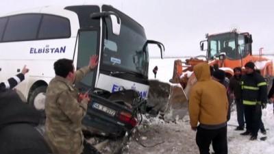 Yolcu otobüsü ile otomobil çarpıştı: 1 ölü, 2 yaralı - KAHRAMANMARAŞ
