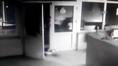 Elindeki bıçakla iki istasyonu soydu, polisten kaçamadı
