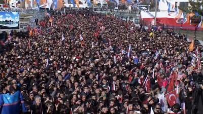 Cumhurbaşkanı Erdoğan: 'Onun millet, bayrak vatan devlet diye bir derdi yok. O PKK'lı teröristlerle el ele kol kola varsın yürüyüş yapsın'