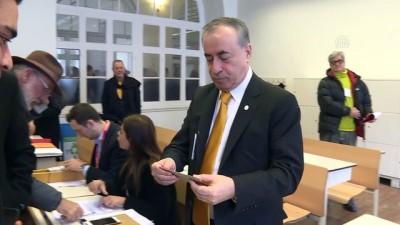 Galatasaray Kulübünün olağanüstü kongresi - Özbek ve Cengiz oylarını kullandı - İSTANBUL