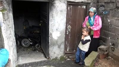 Akülü tekerlekli sandalyesi yandı eve hapsoldu