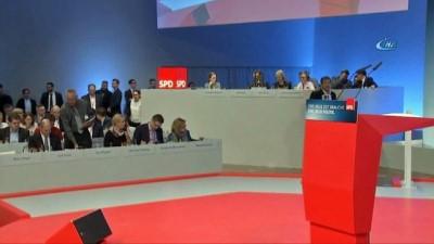 hukumet -  - Almanya'da, SPD'li delegeler koalisyona yeşil ışık yaktı