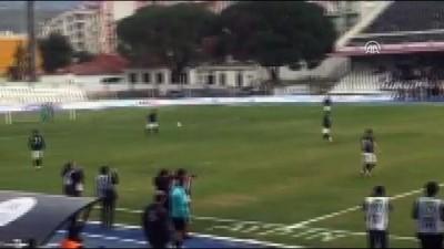 Aydın Büyükşehir Belediyesine futbolcu protestosu - AYDIN