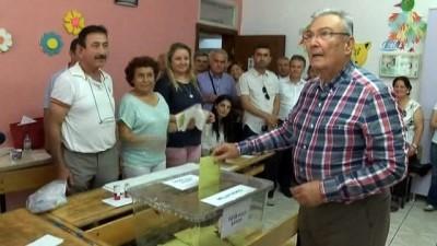 Baykal ile eski MHP'li yöneticilere yönelik 'kaset kumpası davası' yarın görülecek