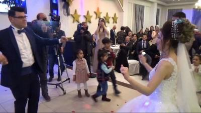 Kahramanmaraş'ta işitme engelli çift dünya evine girdi