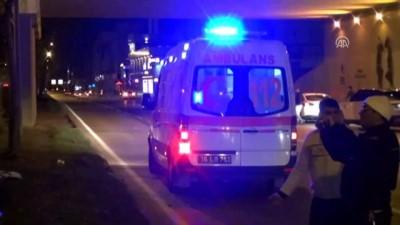 Kaza sonrası araçta sıkışan iki kişi kurtarıldı - BURSA