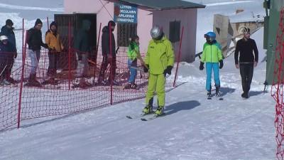 Kop Dağı Kayak Merkezi'nde kayak sezonu açıldı - BAYBURT