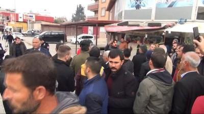Reyhanlı saldırısında yaralananlar hastaneye getirildi