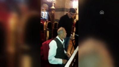 politika - 93 yaşındaki sanatçı yeniden vatani göreve hazır - İSTANBUL