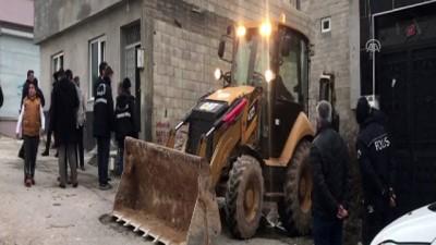teror orgutu - Afrin'den atılan roket ahıra isabet etti - KİLİS