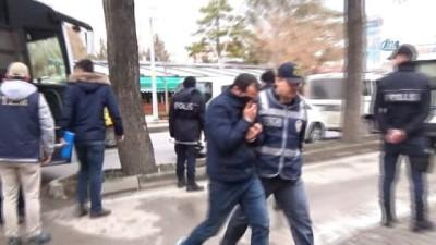 akalan -  FETÖ'den gözaltına alınan 14 asker adliyeye sevk edildi