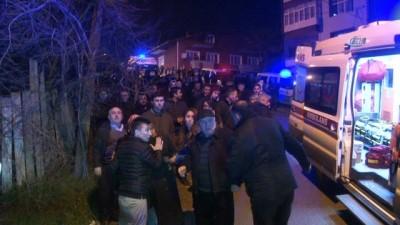 Frenleri patlayan işçi servisi eve çarptı... 4 ölü 2 yaralı