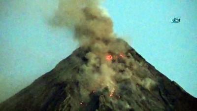 - Mayon Yine Lav Püskürdü, 26 Bin Köylü Tahliye Edildi