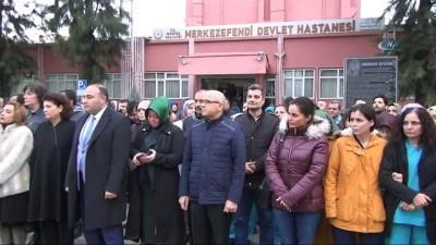 Sağlıkçılar mesaiye Mehmetçiğe dua ederek başladı