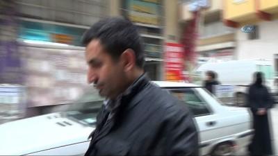 Zeytin Dalı Harekatı'na destek olmak için aldığı asgari ücret maaşını askerlere gönderdi