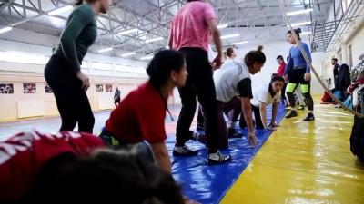 Türk kadın güreşçiler iddialı - EDİRNE