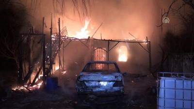 Yangında, ev ve otomobil kullanılamaz hale - DÜZCE