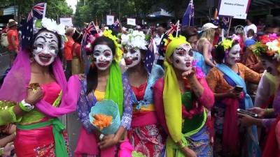 etnik koken - Avustralya Günü protestoların gölgesinde kutlandı - MELBOURNE