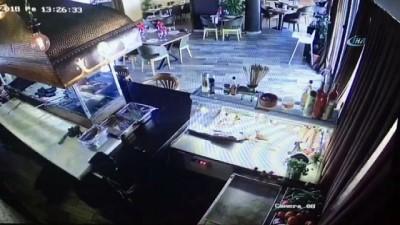 Kadın sürücü, oyuncu Erkan Petekkaya'nın restoranına böyle daldı