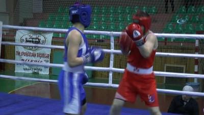 Kadınlar Türkiye Boks Şampiyonası'nda yarı final maçları yapıldı