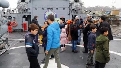 Rize Limanı'na demirleyen TCG Yıldırım Gemisi halkın ziyaretine açıldı