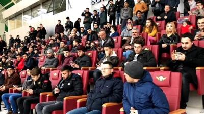 Türkiye'nin en büyük hibrit çime sahip stadı açılıyor