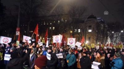 Viyana'da aşırı sağcı parti FPÖ karşıtı gösteri