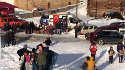 Beyaz Renk Kar Festivali'nde karın keyfini çıkardılar