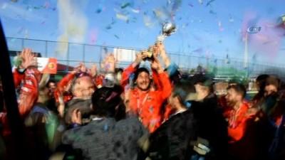 Dursunbey Belediyespor şampiyon oldu