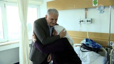 - Başbakan'dan sürpriz hastane ziyareti