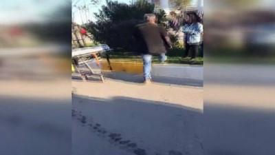Yanan otomobilden son anda kurtarıldılar...Antalya'da 5 araçlı zincirleme kaza: 6 yaralı